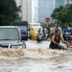 Essay on flood scene in hindi