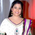 Renuka shahane biography in hindi