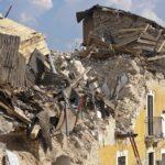 Earthquake Essay & Poem in Hindi