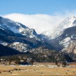 essay on mountain in hindi