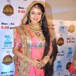 Paridhi Sharma biography in hindi