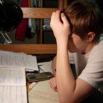 आज के किशोरों में बढ़ती कुंठा का कारण और निवारण पर निबंध