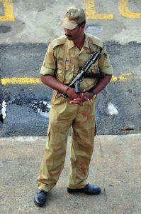 Police ki atmakatha essay in hindi